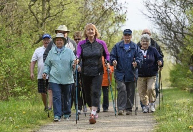 The benefits of Nordic walking in a group