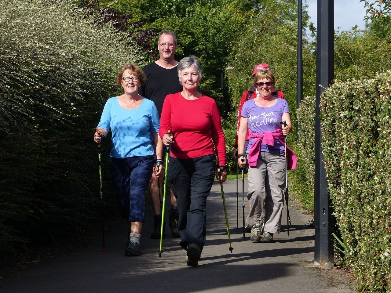 You are currently viewing The health benefits of walking plus a seven-point posture checklist